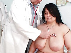 busty dark brown gets played by doctor