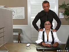 hot brunette gets her pussy licked