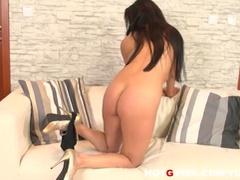 Massive tits brunette whore eve diamond pleasures herself